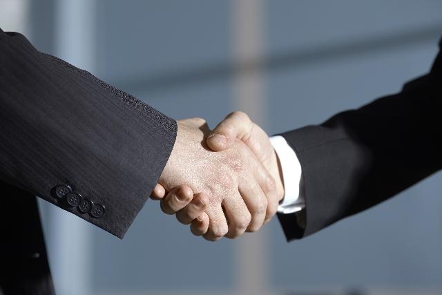 家を売る時に売主にとって有利な媒介契約の種類はどれ?